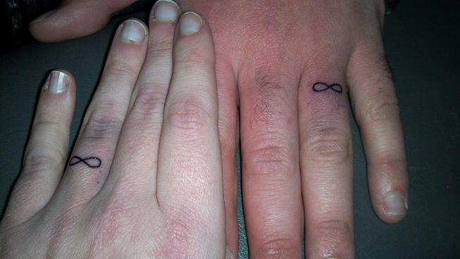 FINGER TATTOOS Nathan Allen The Maniac of Magic Comedian Magician Entertainer Entertainment Des Moines Iowa